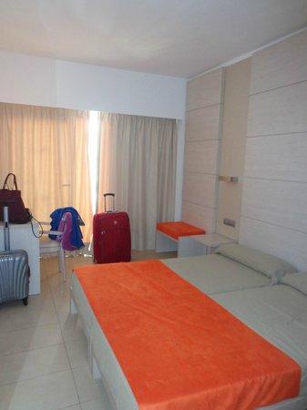 Hotel Puchet : habitacion doble