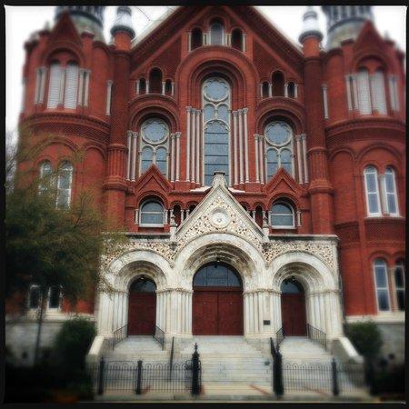 Sacred Heart Cultural Center: Front facade