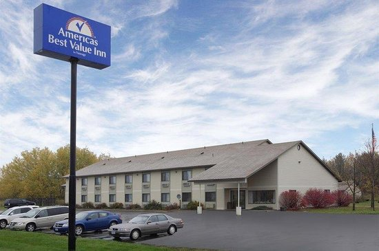 Americas Best Value Inn: Front Exterior With Sign