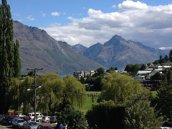 Whistler, The Chancellor - Queenstown: Queenstown view
