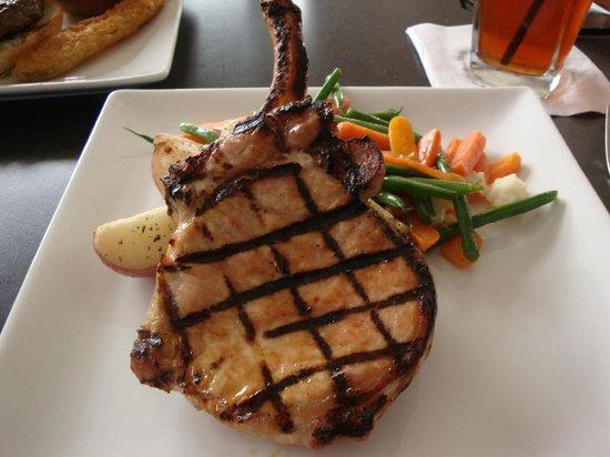 Square Burger: Grilled Pork Chop