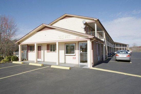 Americas Best Value Inn - Jonesville : Exterior