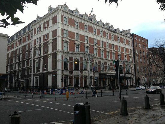 The Shelbourne Dublin, A Renaissance Hotel: Front of Hotel