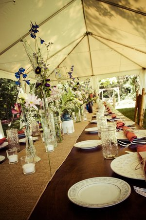 Creekside Inn at Sedona: Reception on the lawn