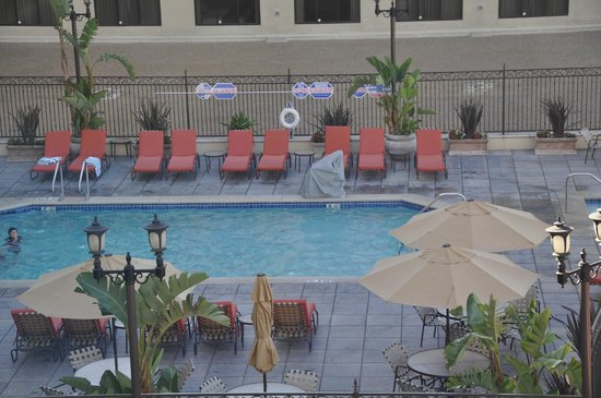 Doubletree Suites by Hilton Hotel Anaheim Resort - Convention  Center: Pool