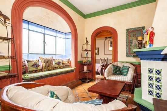 Tres Casitas Bonitas: Living Room in Casita #2