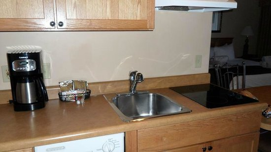 Bell Rock Inn: kitchen area