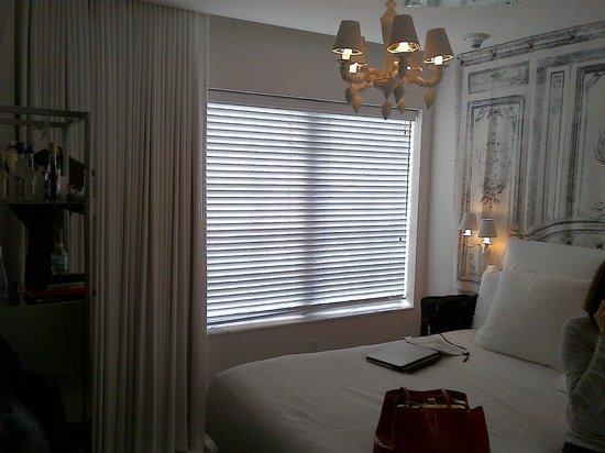 SLS South Beach : Tiny room