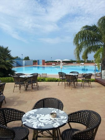 Residence Marsa Sicla: pool from common area