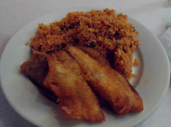 Estrella Latina: fried fish and yellow rice