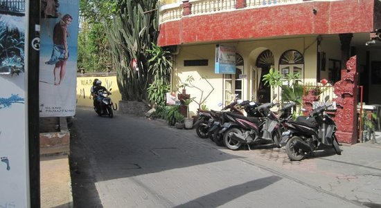 Hotel Bali Duta Wisata Beach Inn: Front view