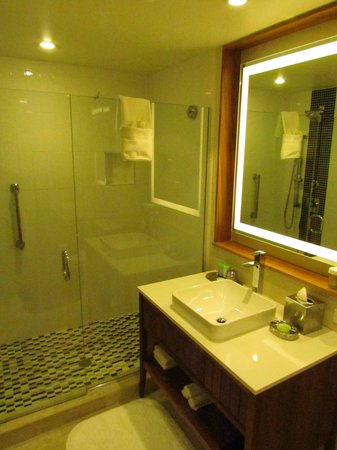 West Street Hotel: Beautiful Bathroom