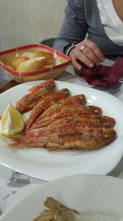 La Pequeña Taberna: Salmonetes plancha