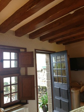 Auberge Saint-Pierre: Room leading to terrace