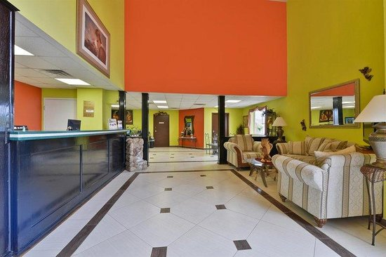 Americas Best Value Inn & Suites-Haltom City/Ft. Worth : Lobby Area