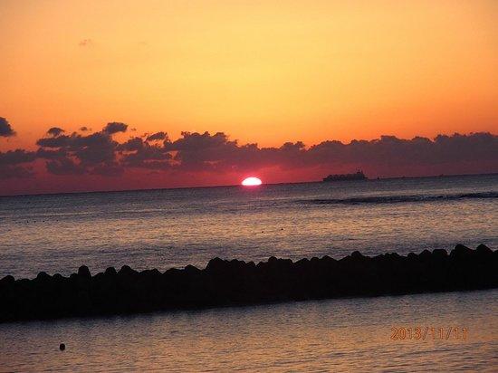 Chidorigahama Beach: 日の出