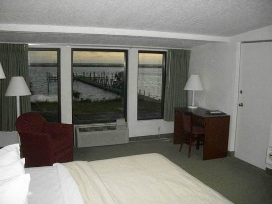 Quality Inn Bayside: From mid-room looking out; desk area