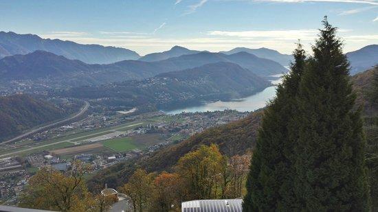 Kurhaus Cademario Hotel & Spa: Aussicht auf den Lagi di Lugano