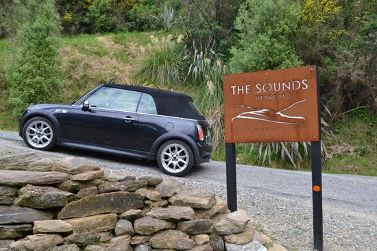 The Sounds Retreat : The Mini