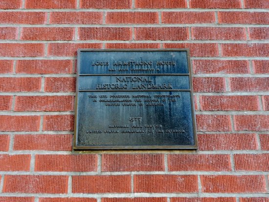 Louis Armstrong House Museum: plaque