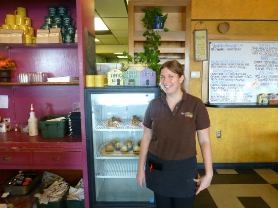 Charleston's Cafe: Our Great Waitress