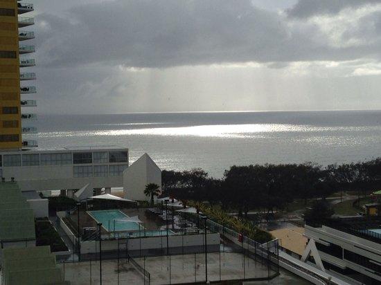 Sofitel Gold Coast Broadbeach: Rain coming over the beach