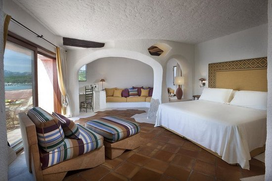Hotel Cala di Volpe, a Luxury Collection Hotel : Premium Suite Bedroom