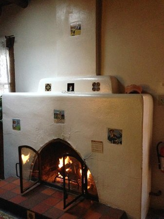 Hacienda Nicholas Bed & Breakfast Inn : wonderful kiva fireplace