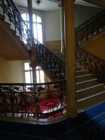 Hotel Royal St. Georges Interlaken - MGallery Collection : Vista da escada interna