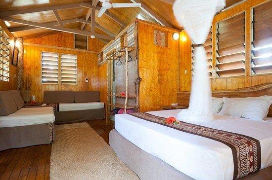 Robinson Crusoe Island Resort: Lodge Interior