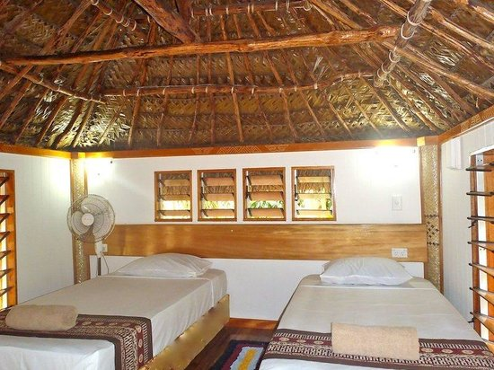 Robinson Crusoe Island Resort: Island Bure Interior