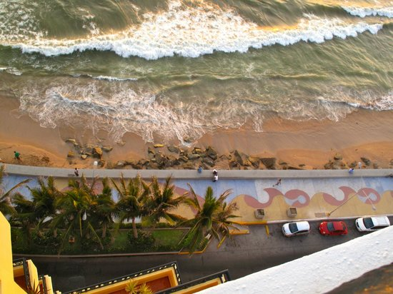 Malecon: The Malacon from above