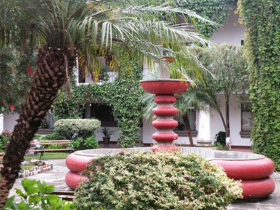 Soleil La Antigua: Fuente en el Parque