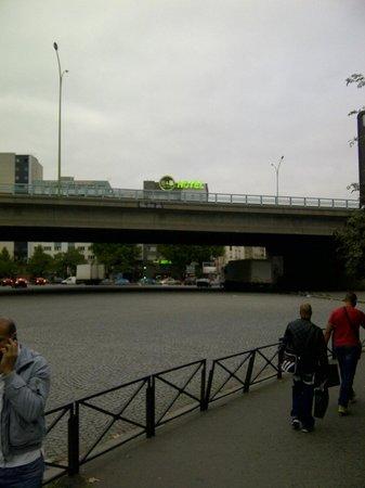 Llegando Desde El Metro Al Hotel Picture Of BB Hotel Paris Porte - Bandb hôtel paris porte de la villette paris