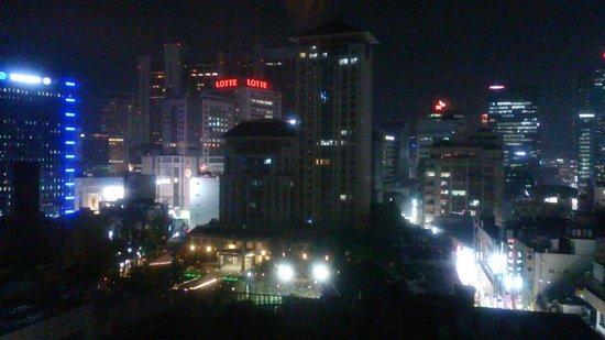 Hotel Skypark Myeongdong I : ホテルからの夜景です。