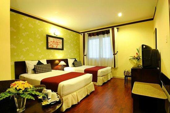 Asian Ruby Luxury Hotel: Deluxe twin