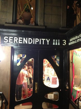 One Upstairs Painting - so chic - Picture of Serendipity 3 ...