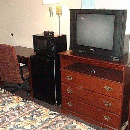 Economy Inn North Oklahoma City Room