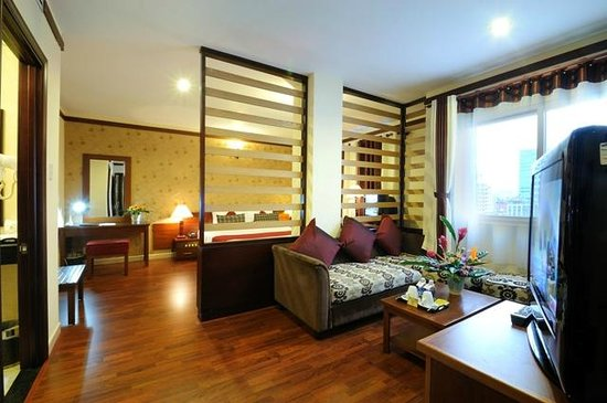 Asian Ruby Luxury Hotel: Ruby Suite River view