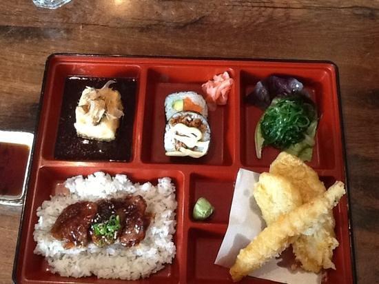 Hikari Japanese Restaurant: bento box