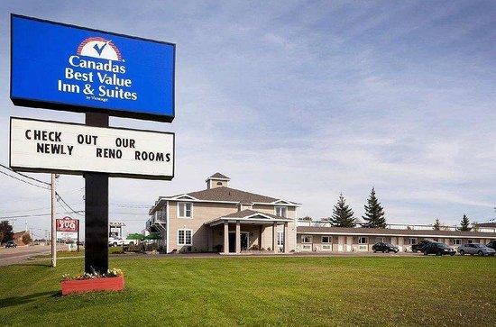 Canada's Best Value Inn & Suites: Exterior