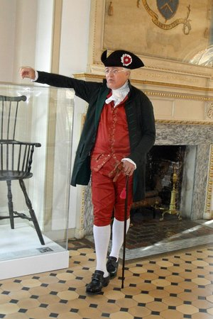 Independence National Historical Park : Historian in Carpenter's Hall