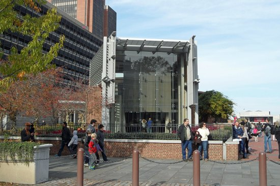 Independence National Historical Park : Liberty Bell Center