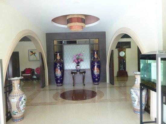 โรงแรม สกุลชัยเพลส: Hotel lobby area