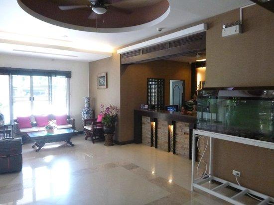 SakulchaiPlace Hotel: Hotel lobby area