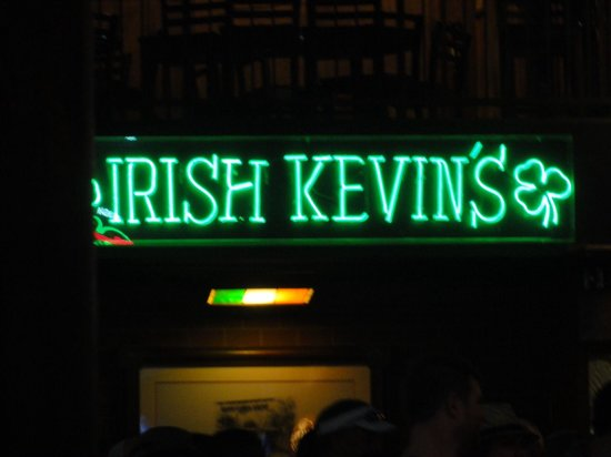 Irish Kevin's Bar : Letreiro interno