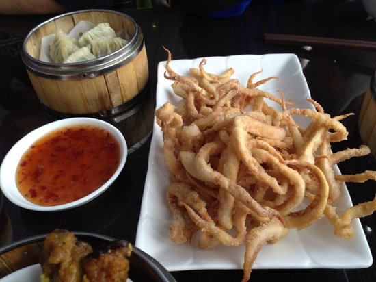 Madam Kwong's Restaurant: Fried squids.