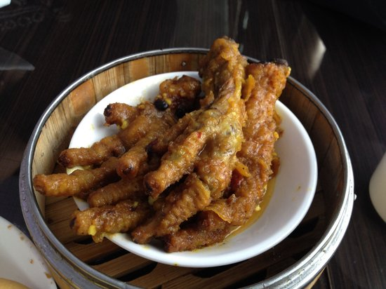 Madam Kwong's Restaurant: Chicken feet.