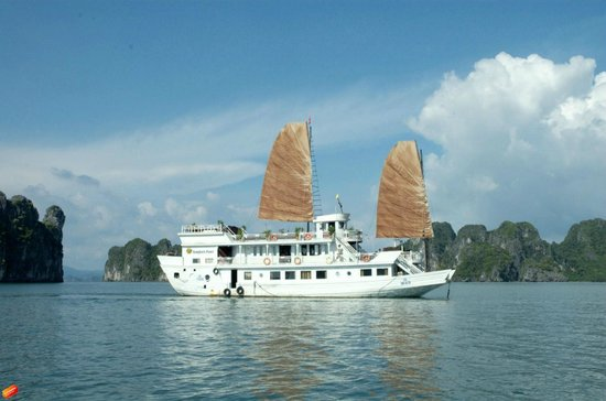 Halong Premium Cruise - Halong Bay Full Day