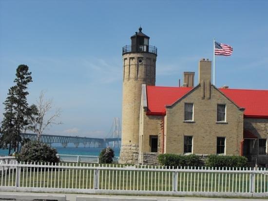 Old Mackinac Point Lighthouse: Old point Mackinac Lighthouse